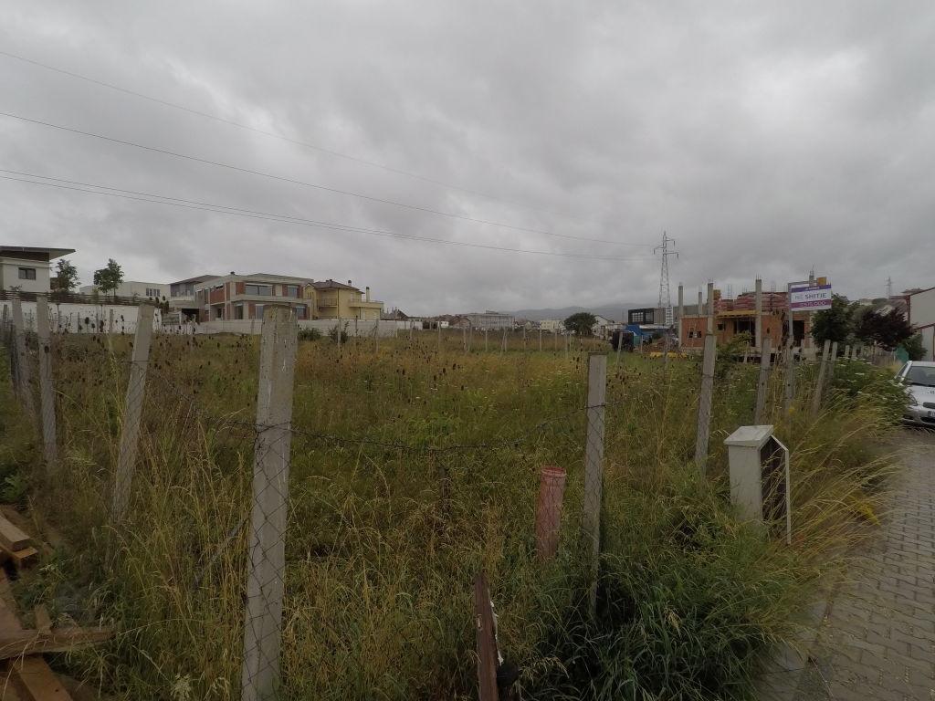 Truall ne shitje ne lagjen Logreta