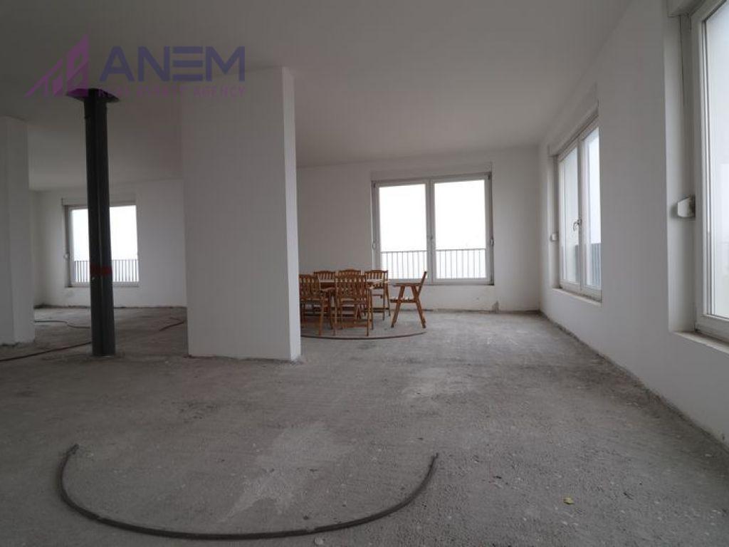 Penthouse ne shitje ne Veternik - EXDC5
