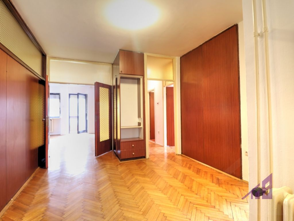 Office 150m2 in the Center