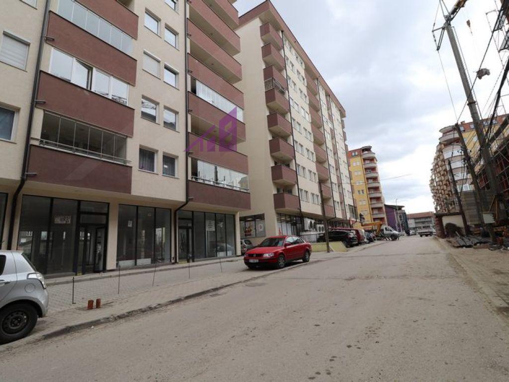Objekt me qira ne Fushe Kosove5