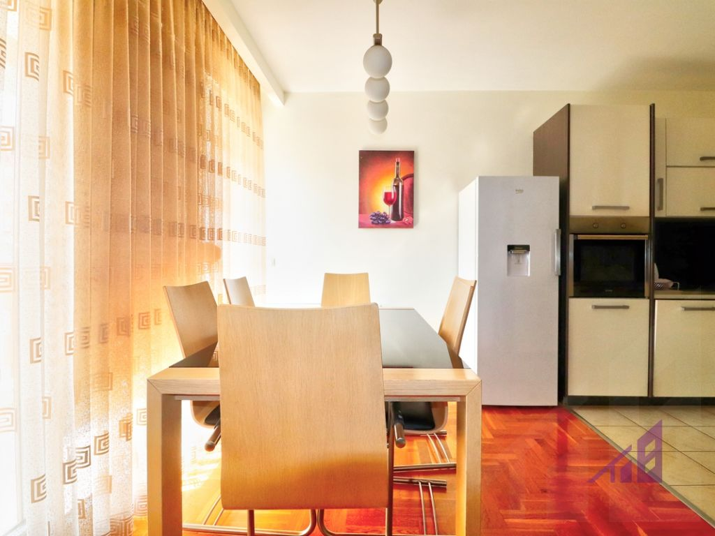 Flat for sale in Calabria neighborhood4