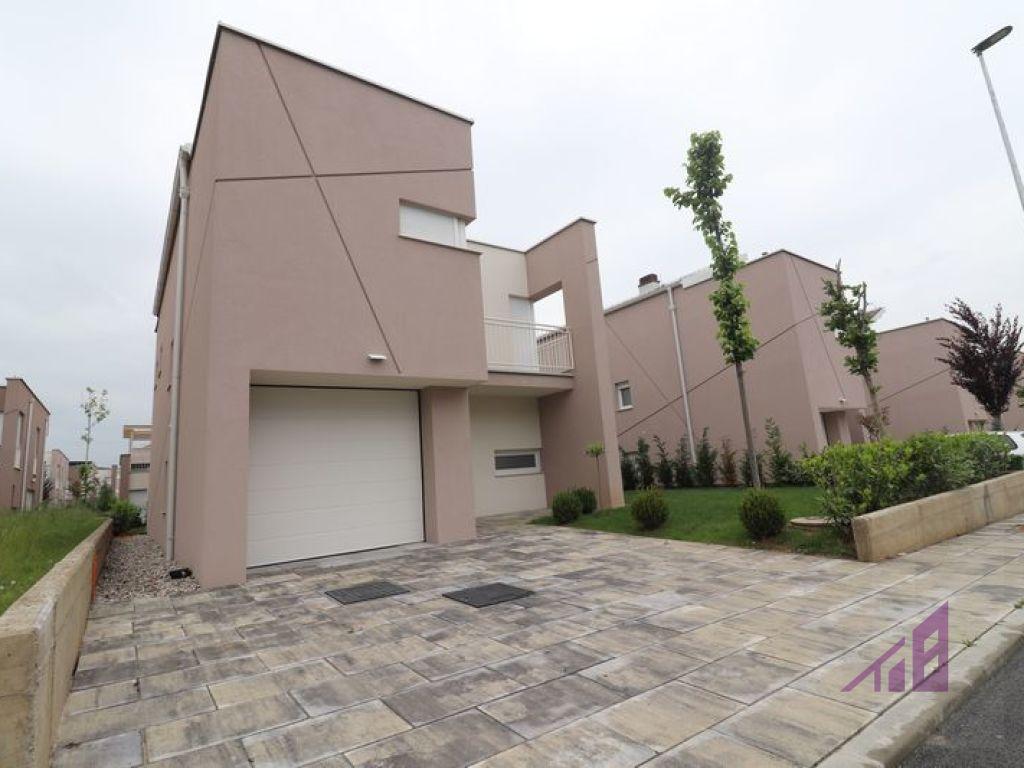 House for rent in Qershia neighborhood0
