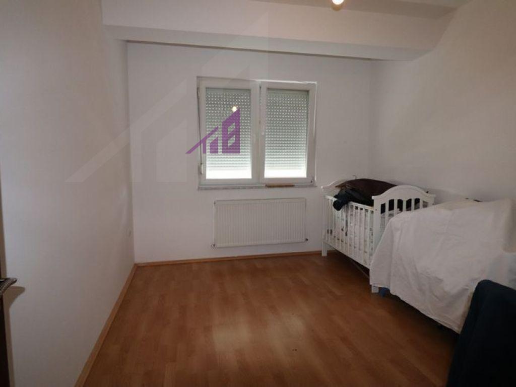 Banese me qira me tri dhoma gjumi ne Mat3