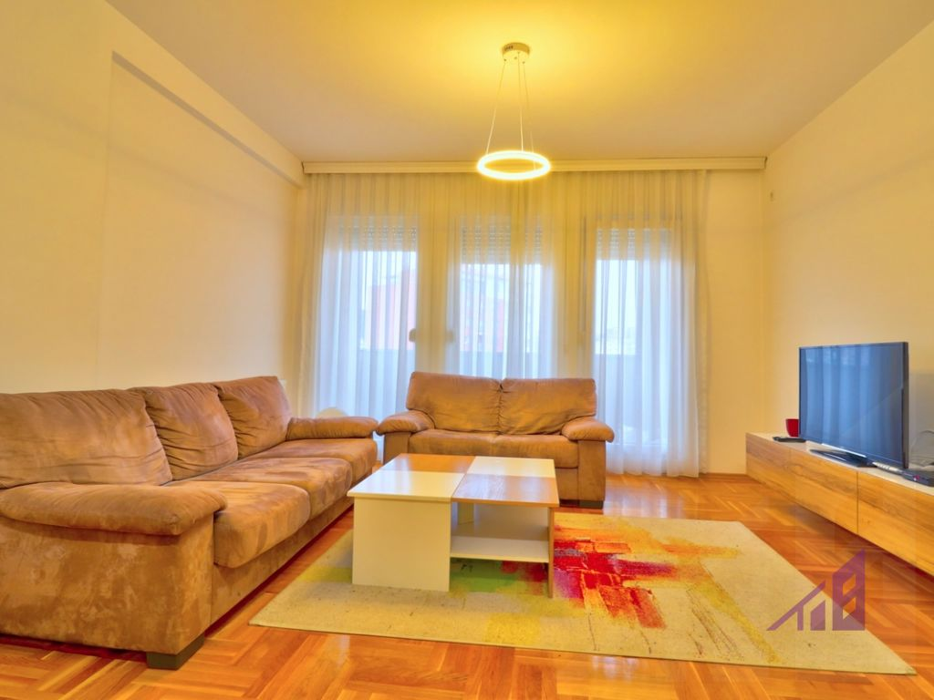 Apartment for rent in Tophane neighborhood