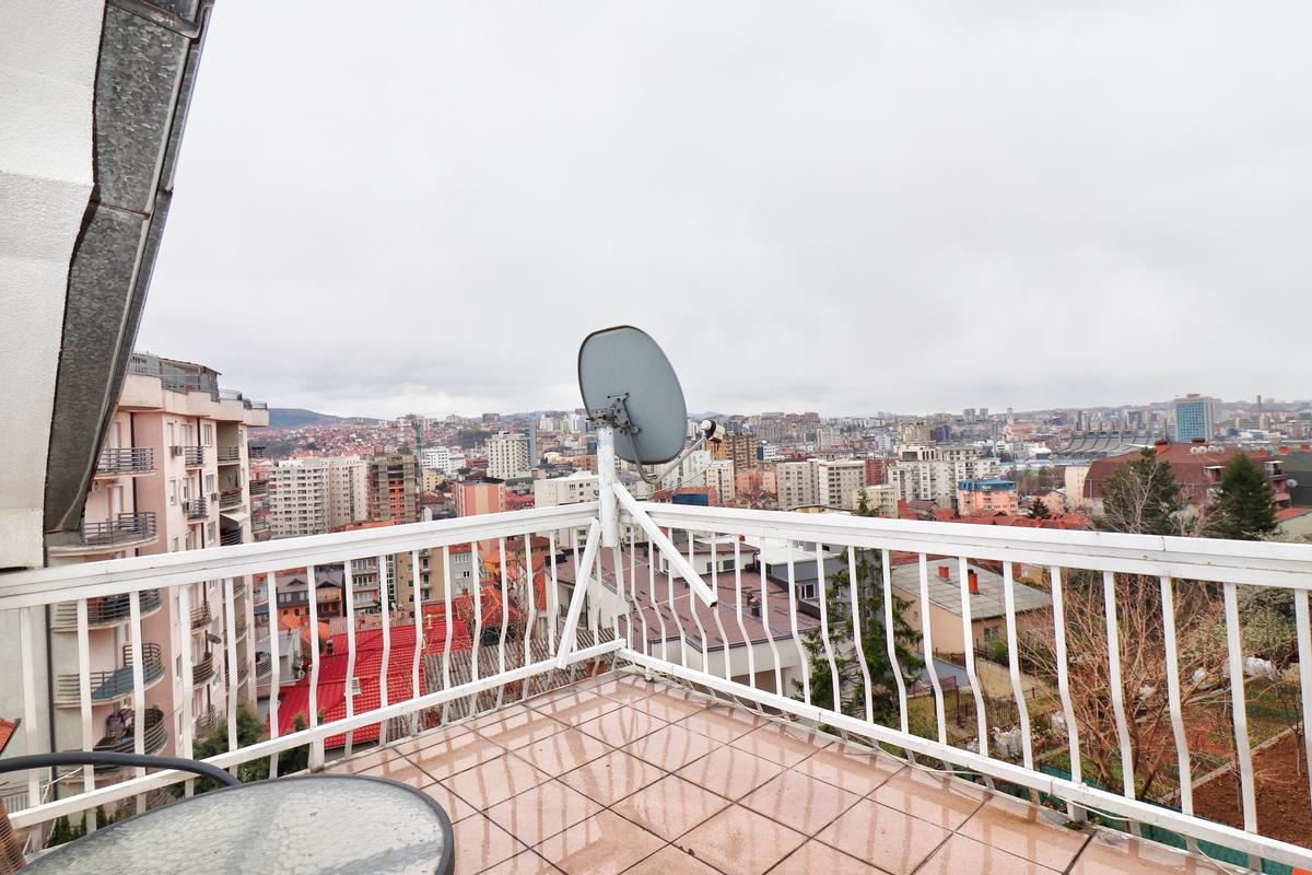 Kat shtëpie me qira 110m2 në Arbëri7