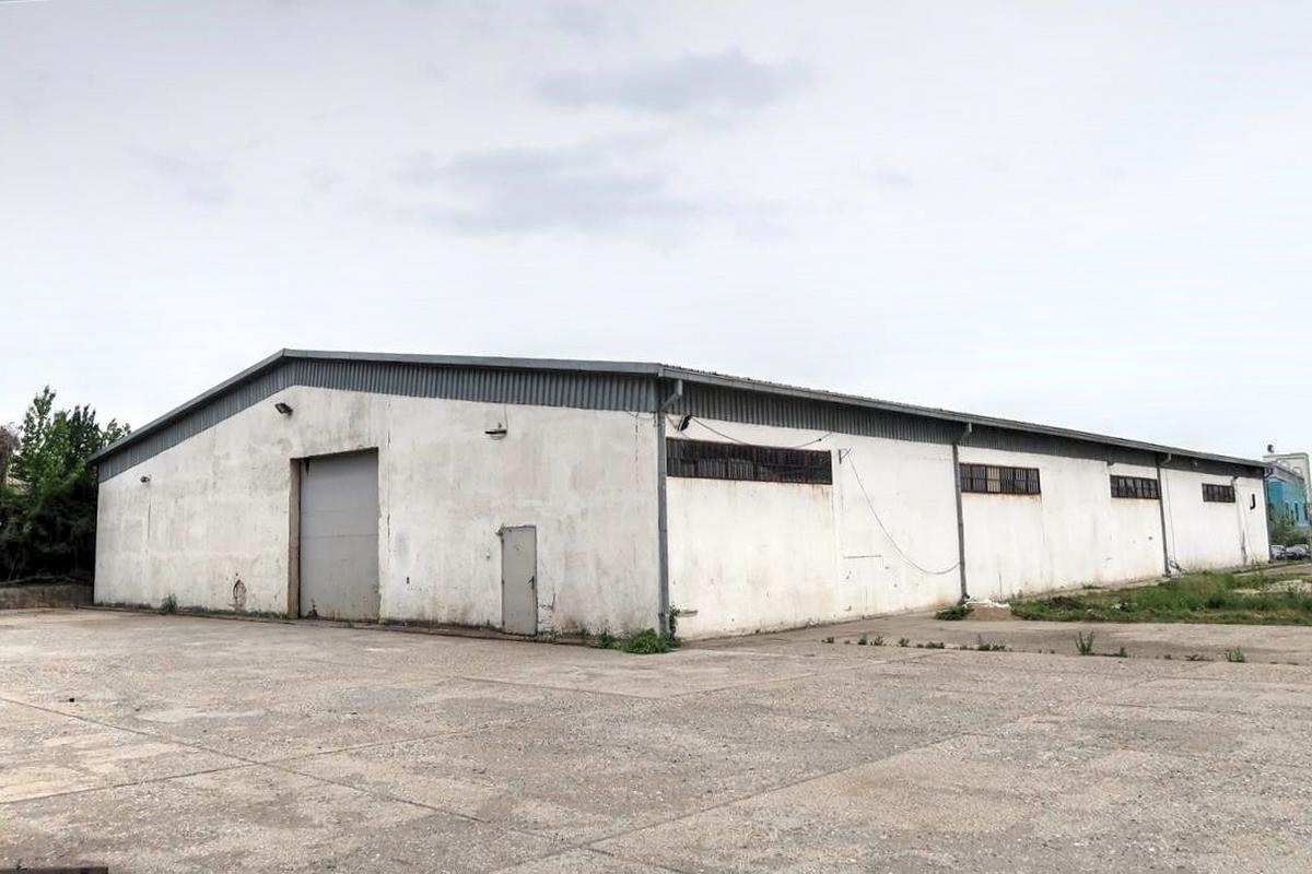 Depo me qira 770m2 ne zonen industriale afer Exclusive Group1
