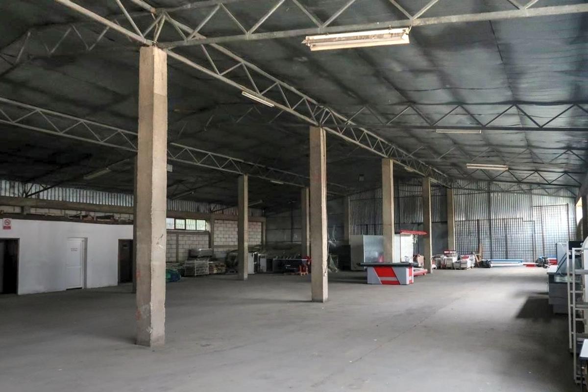 Depo me qira 770m2 ne zonen industriale afer Exclusive Group3