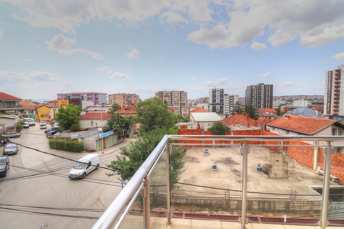Zyre me qira 185 m2 ne Aktash1
