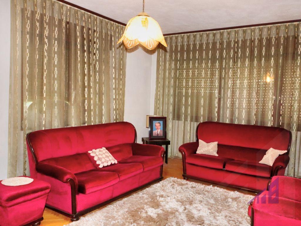 Shtëpi me qira me 4 dhoma gjumi ne lagjen Arbëria8