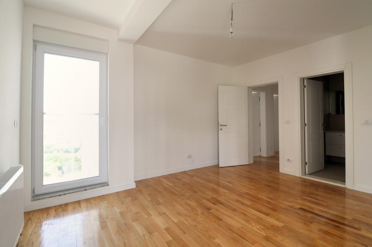 Zyre me qira me katër njësi në lagjën Prishtina e Re9