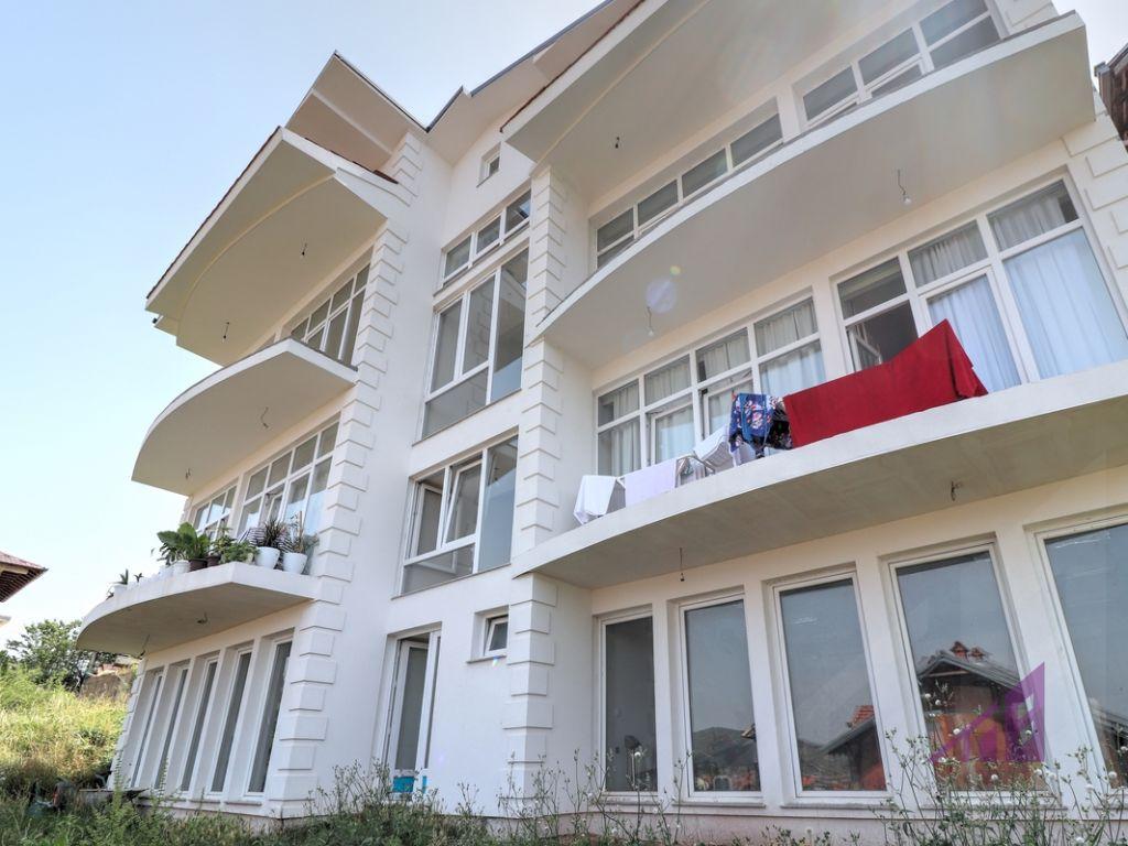 Objekt në shitje 800m2 në Kolovicë