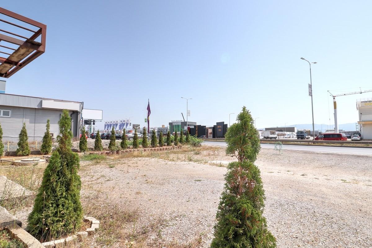 Objekt me qira 560m2 në Magjistralen Prishtinë - Ferizaj6