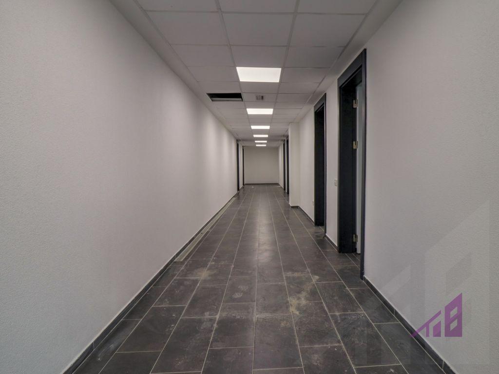 Zyre me qira me 4 hapësira në lagjën Lakrishtë