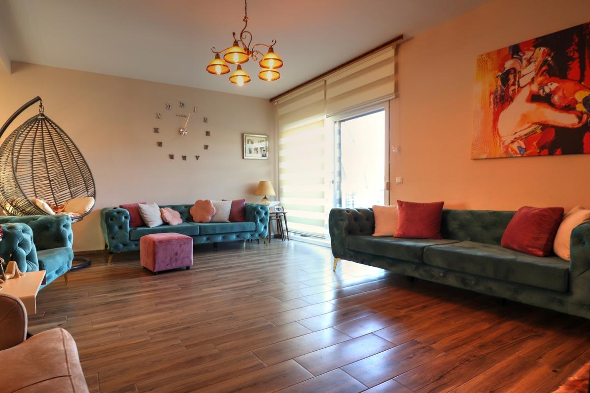 Shtëpi në shitje 258m2 në lagjen Veternik.