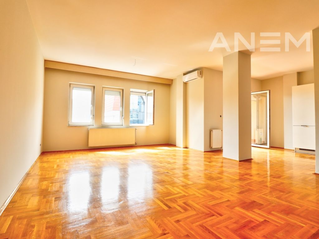 150m2 apartment for rent in Peyton3