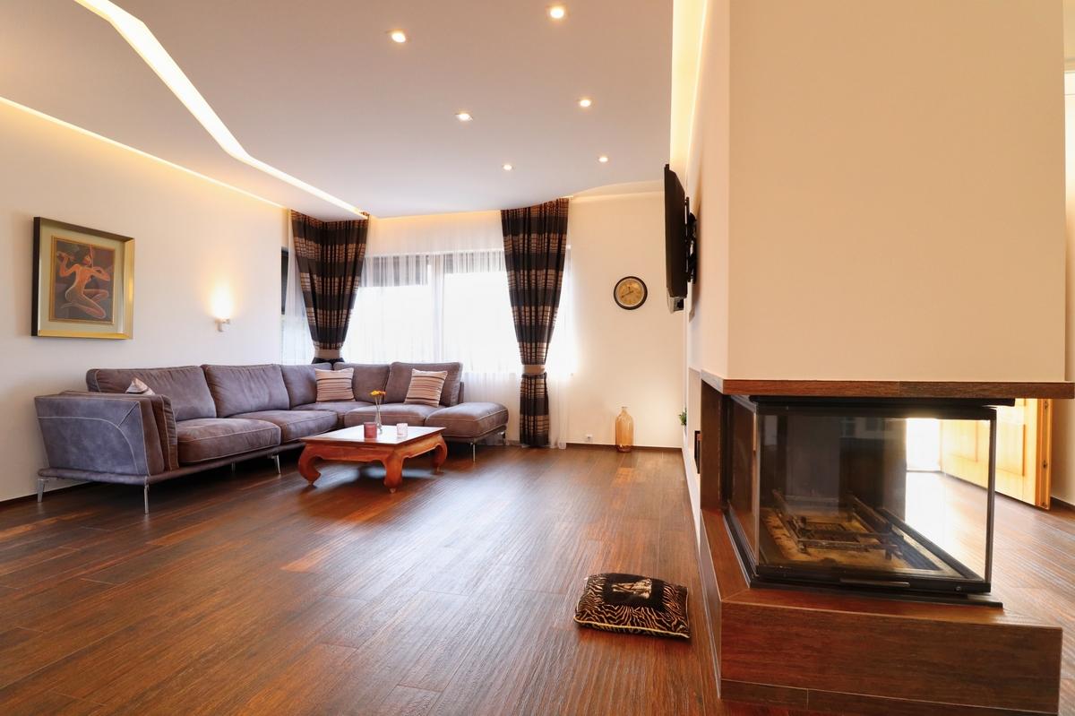 Shtëpi 210m2 me qira në Marigona Residence