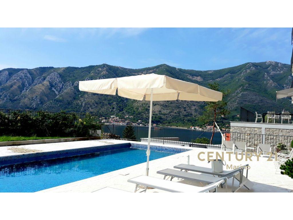Na prodaju dvosoban stan u Kotoru!