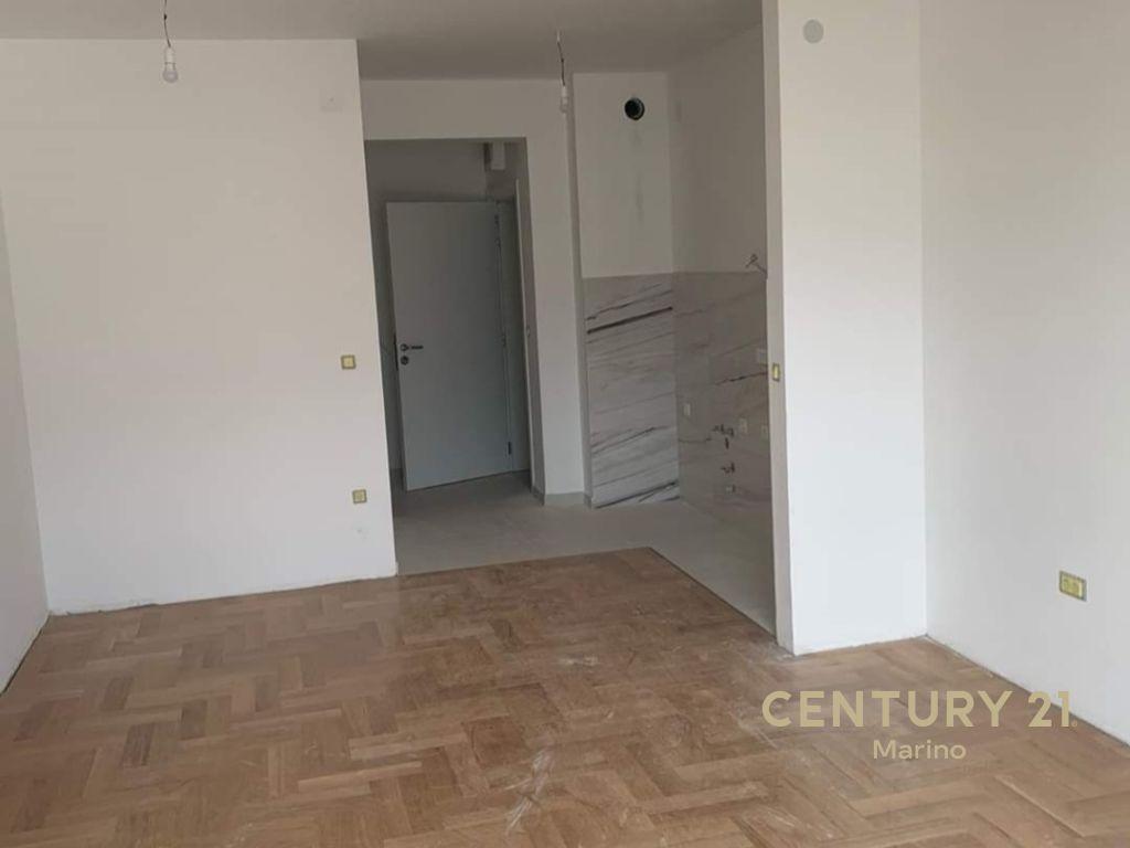 Na prodaju jednosoban stan u Kotoru u novoj zgradi