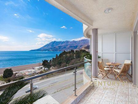 Na prodaju stan u Bečićima, ispred hotela Splendid!