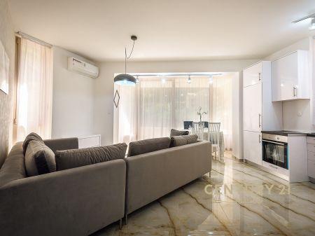 Prodaje se jednostoban stan u Rafailovićima. Na samo 1 minut od plaže