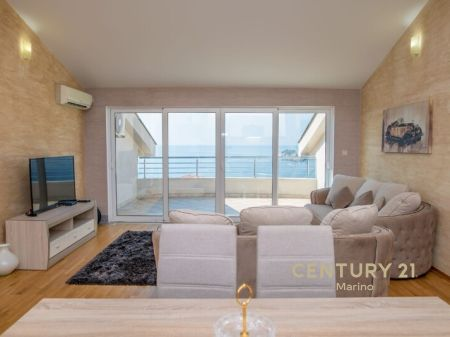 Beautiful apartment with a panoramic sea view for sale in Petrovac.