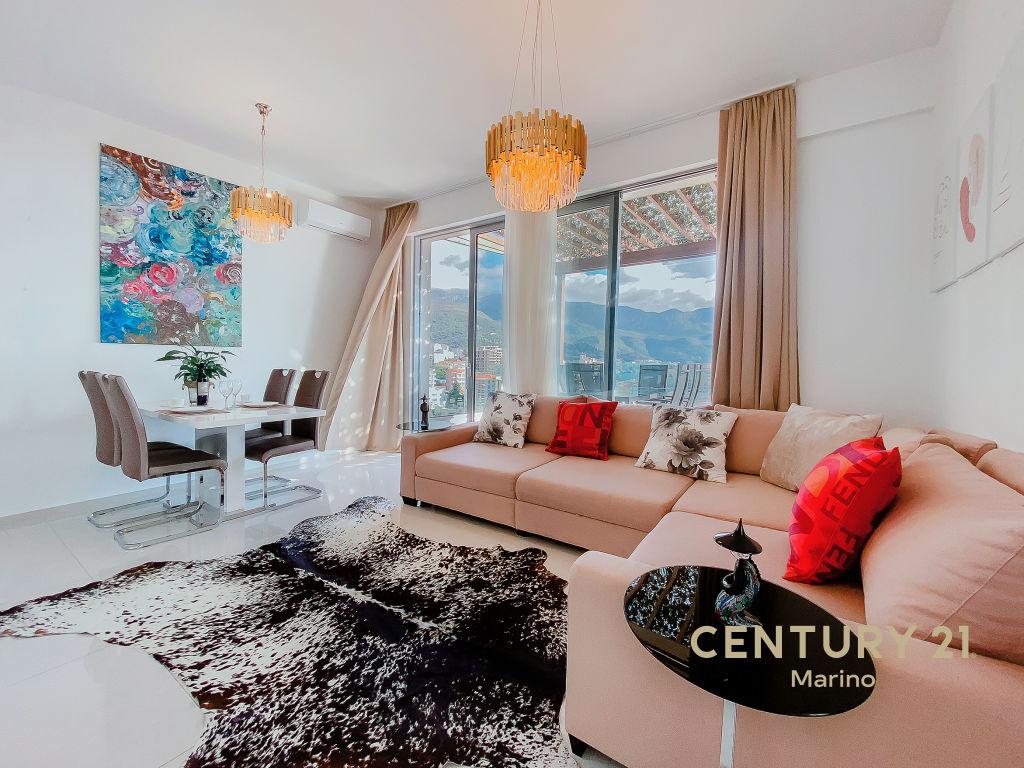 Ekskluzivni penthouse u Bečićima s prekrasnim pogledom na more! Novogradnja, nekoliko minuta od mora.