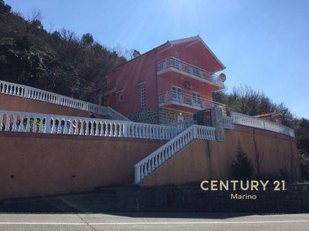 Na prodaju 3BR kuća u Dubu, Kotor!