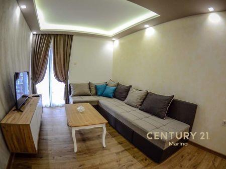 Iznajmljuje se luksuzan dvosoban stan, Kamenovo