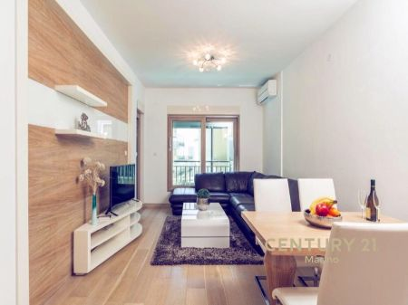 Na prodaju jednosoban luksuzan stan u Pržnu, Budva!