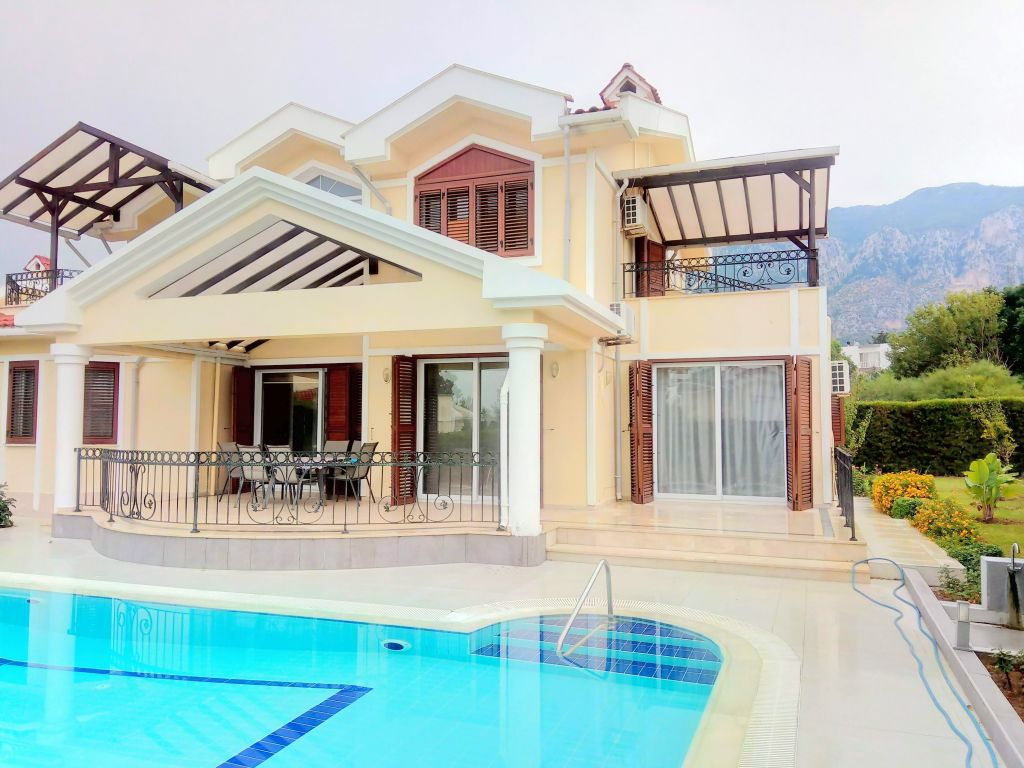 3+1 villa for rent in Kyrenia, Lapta