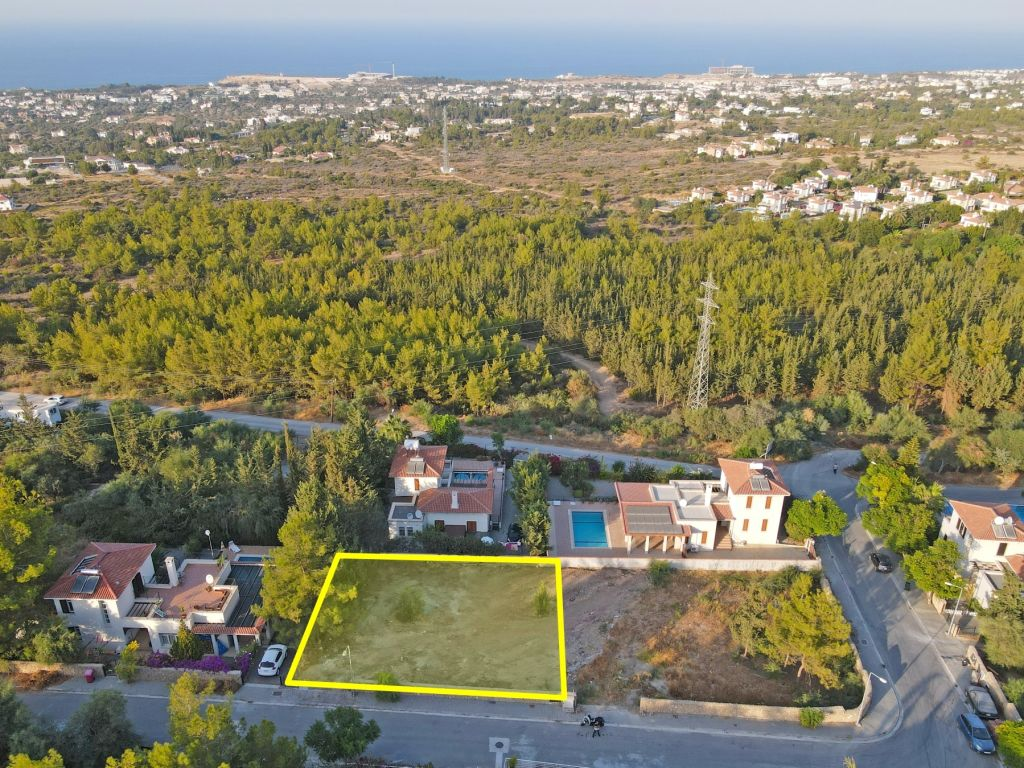 Plot for sale in Kyrenia, Catalkoy / Turkish Title