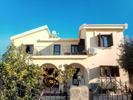 3+1 villa for sale in Kyrenia, Ozankoy