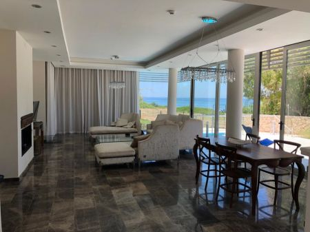 5+1 villa for sale in Kyrenia, Catalkoy