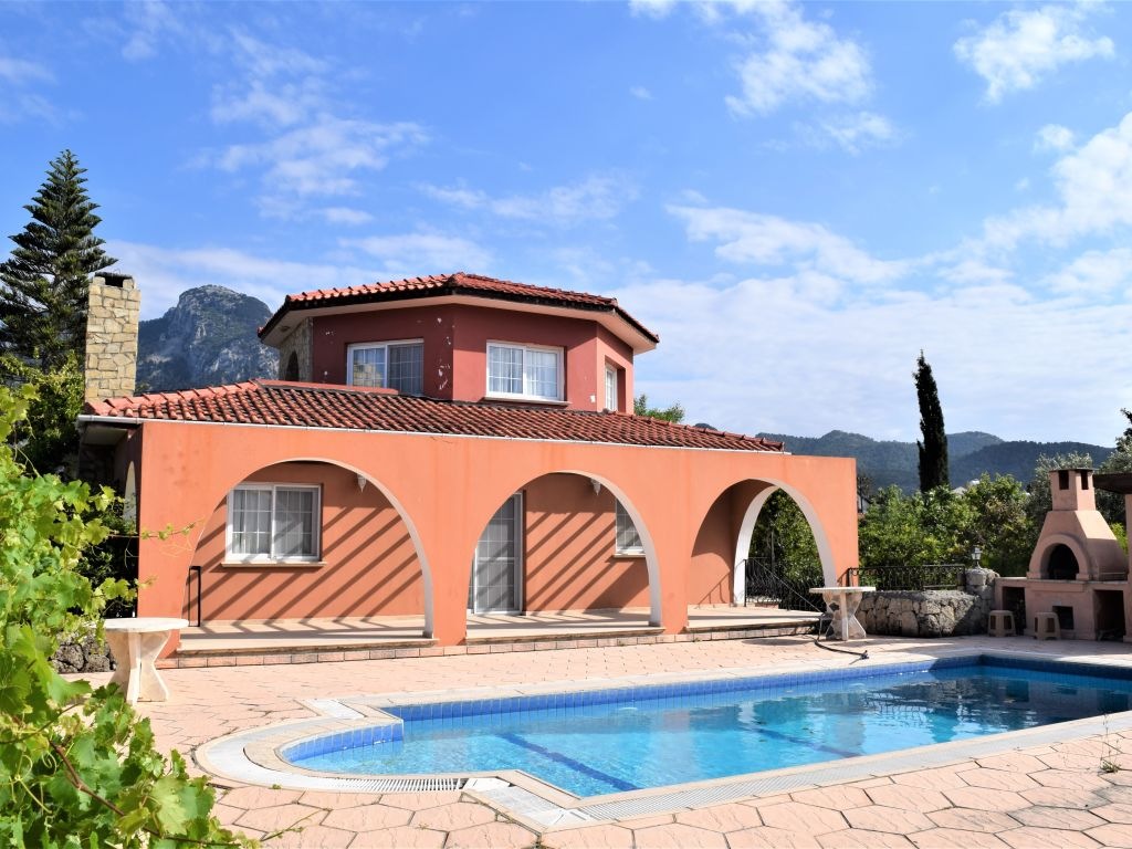3+1 villa for sale in Kyrenia, Karsiyaka