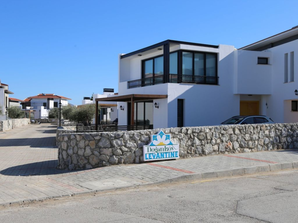 3+1 villa for sale in Kyrenia, Dogankoy