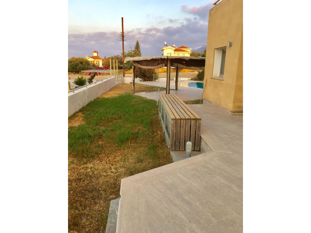 2+1 villa for rent in Kyrenia, Bellapais