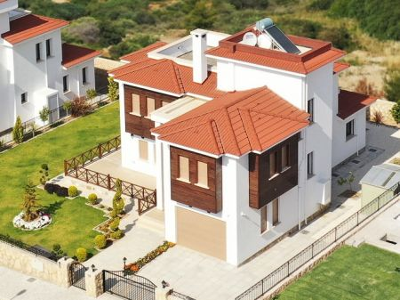 3+1 villa for sale in Kyrenia, Bellapais