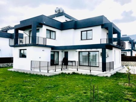 4+1 villa for sale in Kyrenia, Yesiltepe