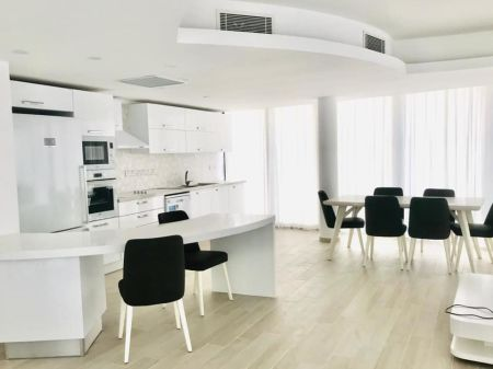 3+1 duplex penthouse for sale in Kyrenia Center