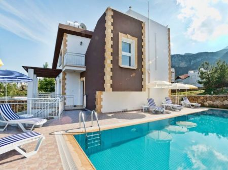 4+1 villa for rent in Kyrenia, Catalkoy