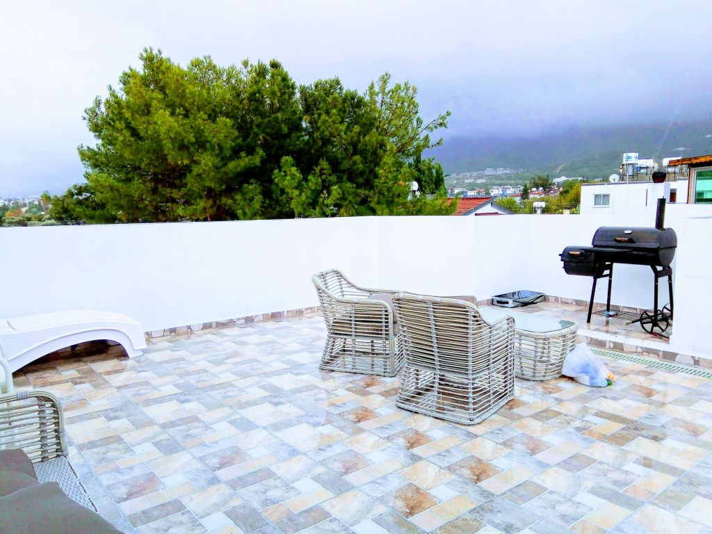 2+1 penthouse apartment for sale in Kyrenia, Karaoglanoglu