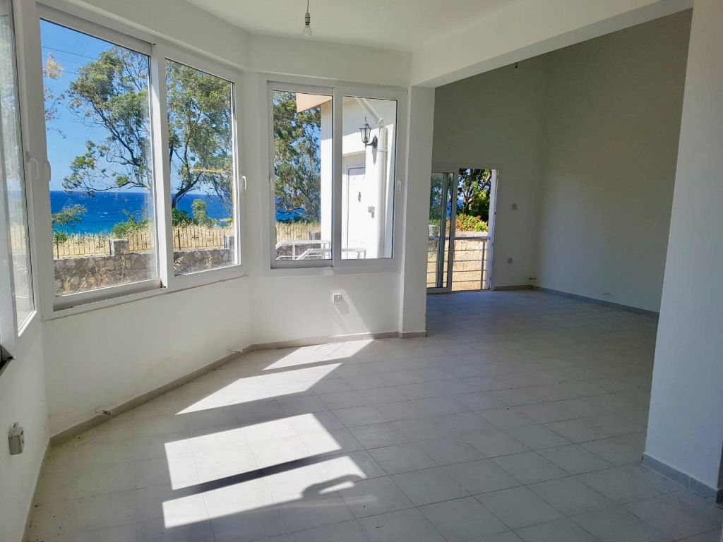 3+1 house for sale in Kyrenia, Lapta