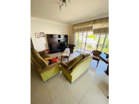 2+1 apartment for rent in Kyrenia, Center