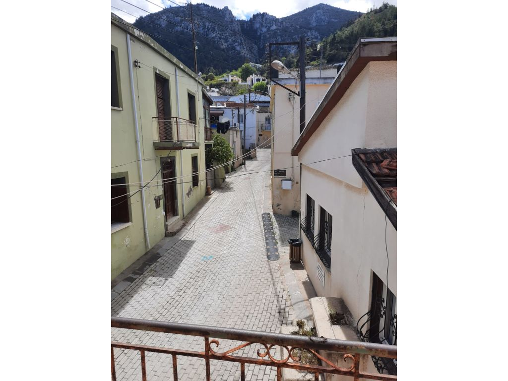 6+1 house for sale in Bellapais, Kyrenia