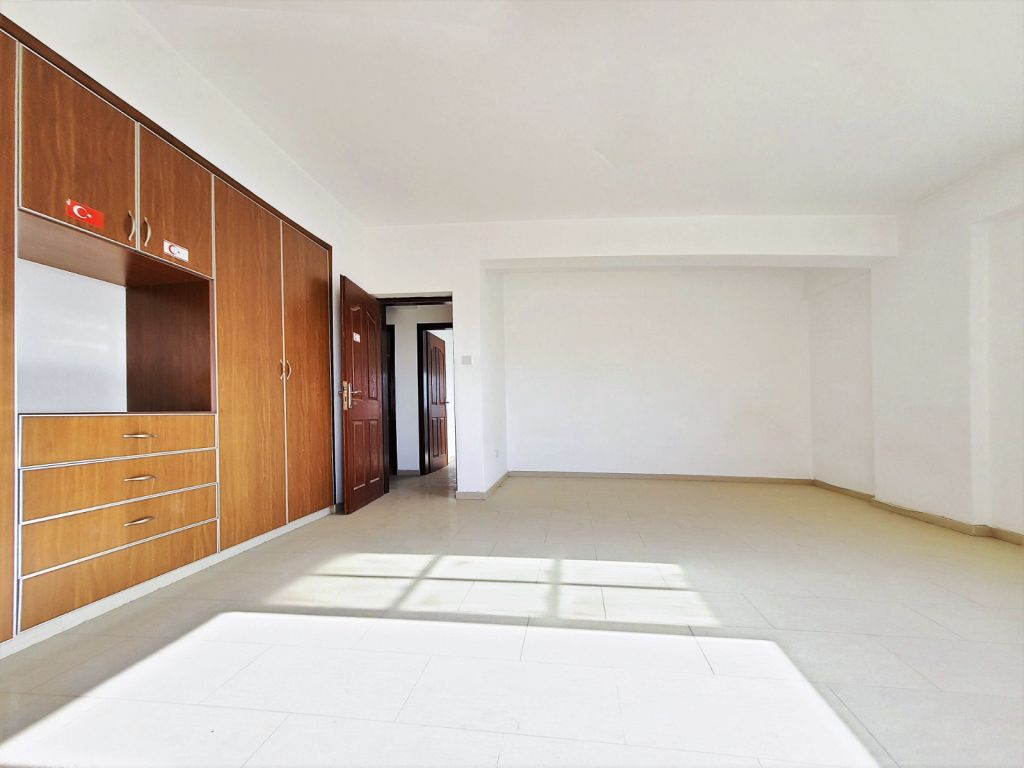 3+2 apartment for sale in Nicosia, Kucuk Kaymakli