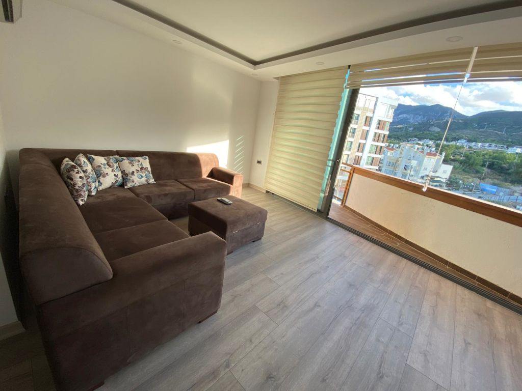 2+1 apartment for sale in Kyrenia Center