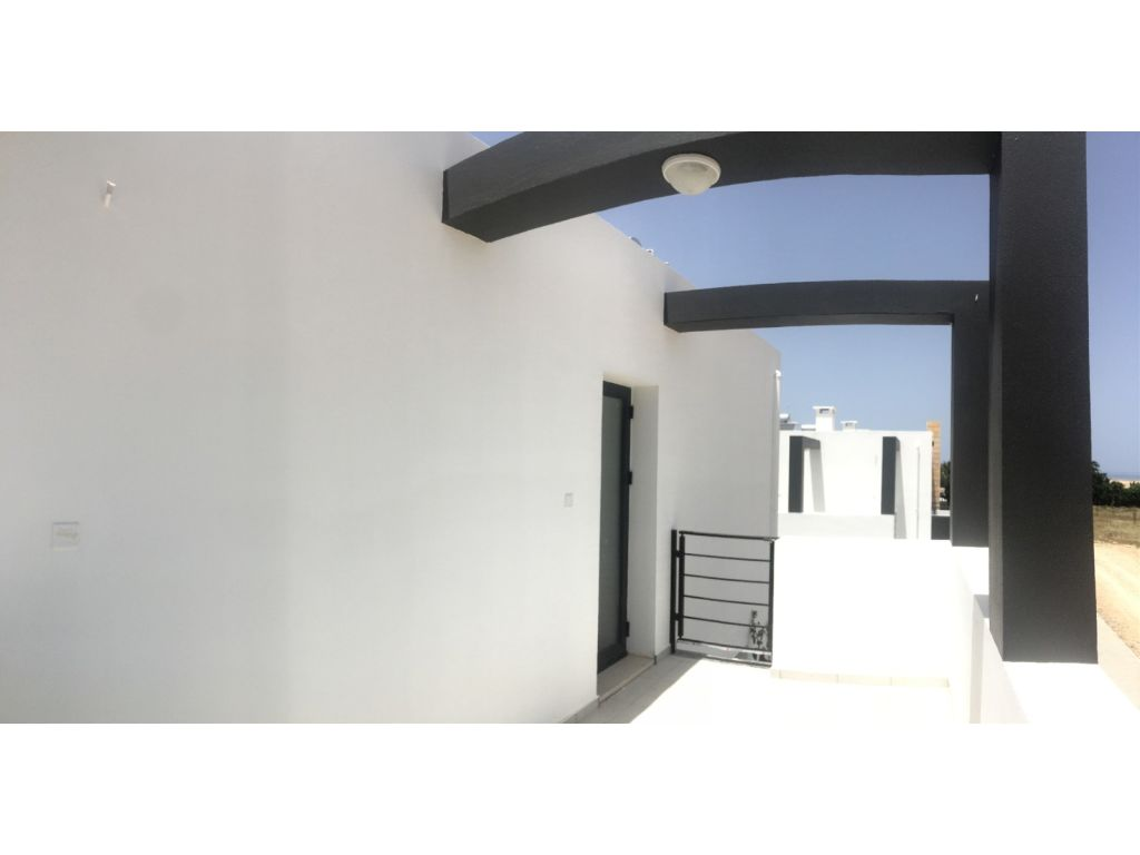 2+1 Semi-Detached villa for sale in Kyrenia, Catalkoy