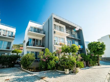 2+1 apartment for sale in Kyrenia, Lapta