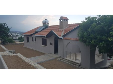 2+1 house for sale in Kyrenia, Esentepe