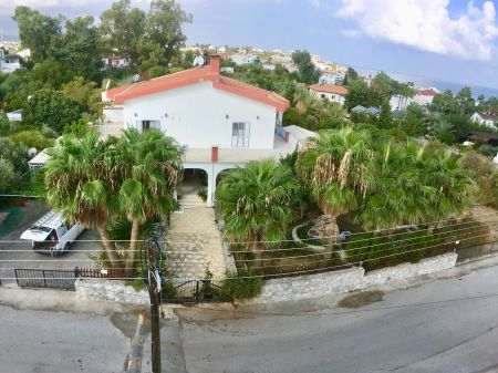 4+1 villa for sale in Kyrenia, Karaoglanoglu